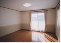 2階洋室10帖.jpg